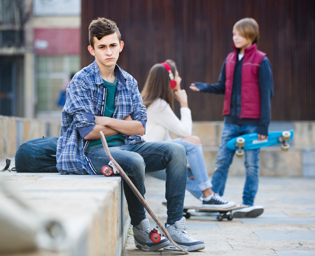 16s: Jealous spanish teen and his friends after conflict outdoors