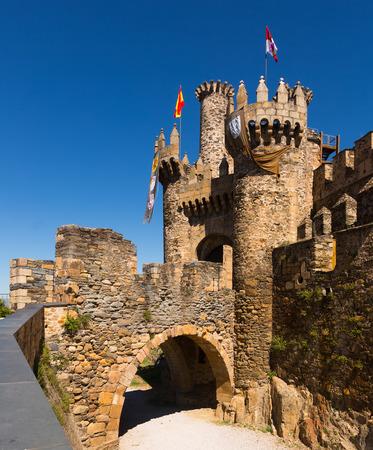 castile and leon: Bridge and gate of the Templar Castle. Ponferrada, Castile and Leon, Spain Stock Photo