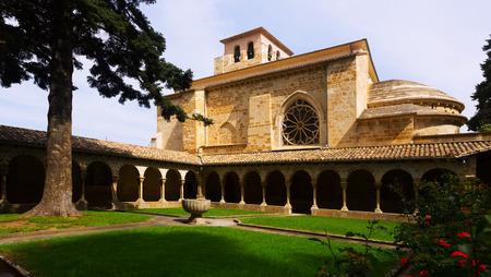 san pedro: cloister of Church of San Pedro de la Rua at Estella. Navarre,   Spain
