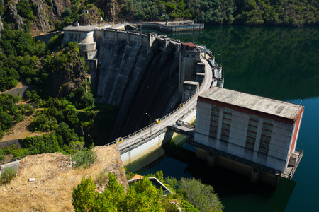hydro electric power station: Day view of dam at Sil river.  Galicia, Spain