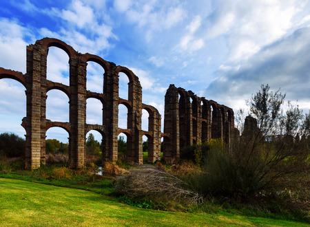 acueducto: Roman Aqueduct of Merida in  day time. Spain Stock Photo