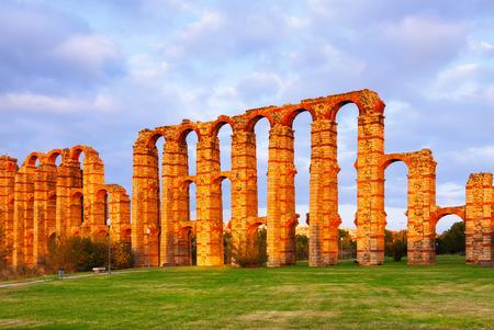 acueducto: roman aqueduct at Merida. Spain