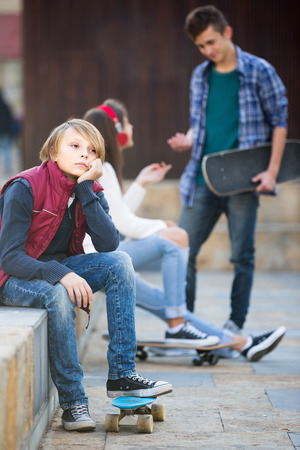 16s: Jealous american teen and his friends after conflict outdoors