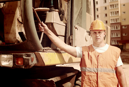 spalpeen: Portrait of tractor operator at construction site