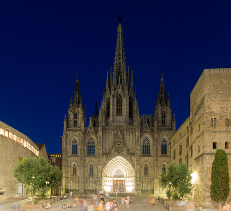 gotico: Cathedral of the Holy Cross and Saint Eulalia in night. Barcelona, Catalonia, Spain Foto de archivo