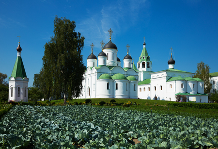day shot of russian orthodox Transfiguration cathedral and Intercession church in Murom, Russia Stock Photo