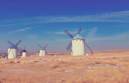don quijote: Molinos de viento en Campo de Criptana. La Mancha, España