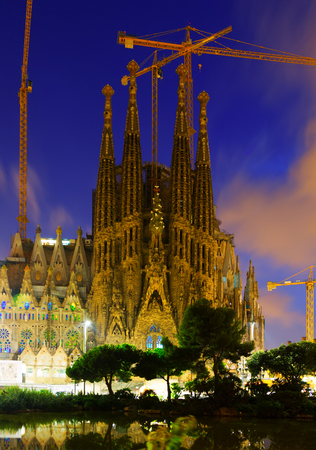BARCELONA, SPAIN - SEPTEMBER 13, 2014: Sagrada Familia in twilight. Barcelona Editorial