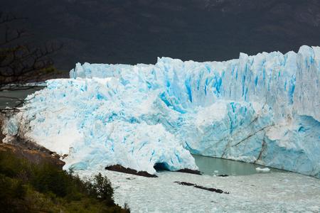 los glaciares: View on the Perito Moreno Glacier and surroundings in Los Glaciares National Park in Argentina
