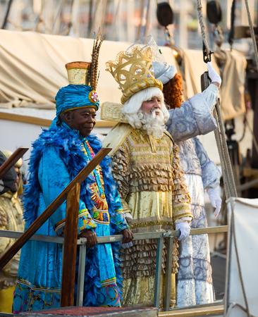 melchor: BARCELONA, SPAIN –  JANUARY 5, 2017: Arrival of Three Kings in port of Barcelona by ship. Barcelona, Spain Editorial