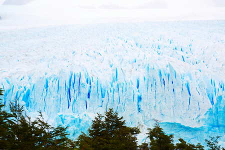 Steep slope of glacier Perito Moreno (Glaciar Perito Moreno) located in national park Los Glyacious. Patagonia, Argentina Imagens