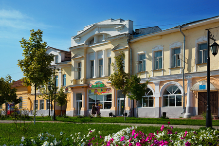 street lamp: MUROM, RUSSIA – AUGUST 23, 2016: Murom city center with administrative building and park on sunny summer day Editorial