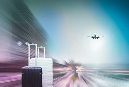착륙 항공기를 기다리고 여행자의 가방을 덩어리 죠 모션 배경 스톡 콘텐츠