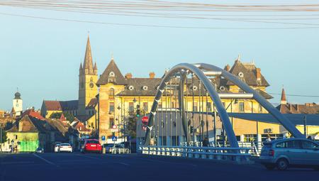 ルーマニアの大聖堂のビューとシビウの街のイメージ。