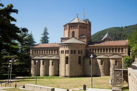 Monastery of Santa Maria in Ripoll considered symbolic monument in Catalan Romanesque style 免版税图像