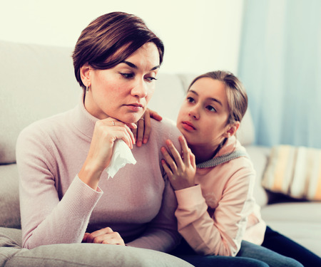 Daughter asks for forgiveness and be reconciled with his young mother after quarrel
