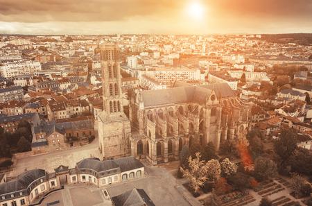 Célèbre cathédrale gothique de la ville de Limoges en France, Europe Banque d'images