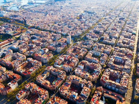 Aerial view of modern urban landscape of Eixample district, Barcelona, Spain Imagens