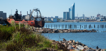General view on port and varying surrounding areas in Montevideo 写真素材 - 122799246