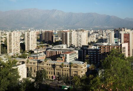 Picturesque panoramic view of city center of the Chilean capital Foto de archivo - 129252866