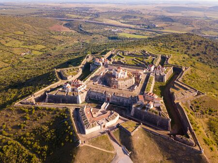 Picturesque aerial view of star fort of La Lippe (Nossa Senhora da Graca Fort) on top of Monte da Graca near Elvas, Portugal Imagens