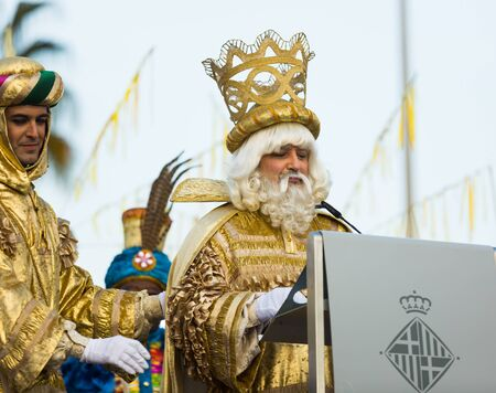 BARCELONA, SPAIN –  JANUARY 5, 2017: King Melchor greeting citizens and visitors of Barcelona. Barcelona, Spain Publikacyjne