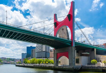 Modern bridge of La Salve crossing over the nervion river at Bilbao, Spain Imagens