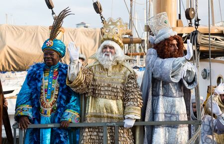 BARCELONA, SPAIN –  JANUARY 5, 2017: Arrival of Three Kings in port of Barcelona by ship. Barcelona, Spain Publikacyjne