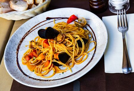 Plate of pasta with seafood – traditional Italian dish Zdjęcie Seryjne