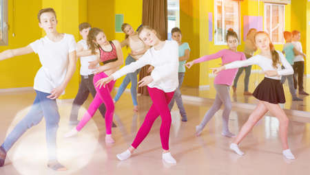 Tweens training in choreography class