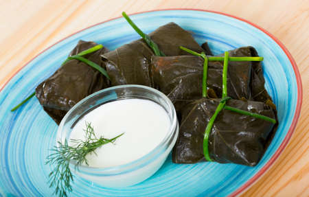 Stuffed grape leaves with assorted fillings Imagens