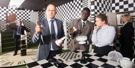 Businessman pointing index finger up Banque d'images
