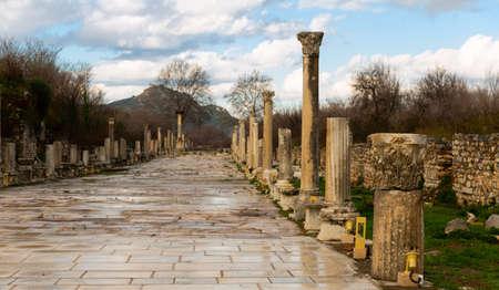 Ruins of Arcadian or Harbor Street of in ancient Ephesus, Turkey 版權商用圖片