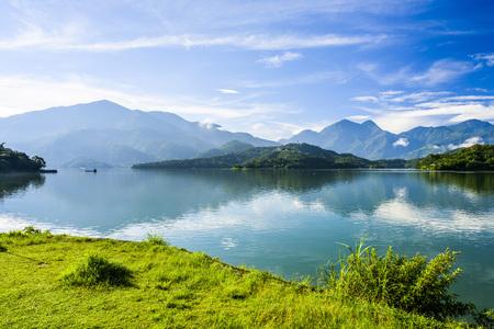 台湾・アジアの太陽月湖の風景 写真素材 - 93896734