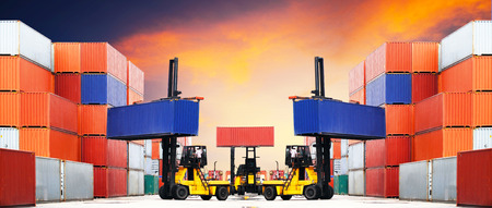 customs: Containers shipping