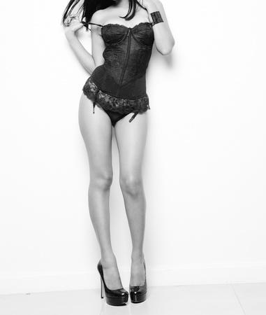 ropa interior femenina: modelo sexy mujer posando en ropa interior Foto de archivo