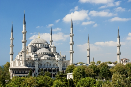 blue mosque: sultan ahmed mosque exterior in istanbul turkey