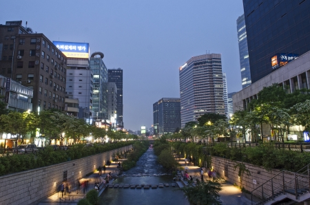 south korea: Cheonggyecheon stream in central seoul south korea