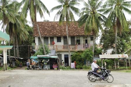 casa colonial: casa colonial en Battambang en Camboya Editorial