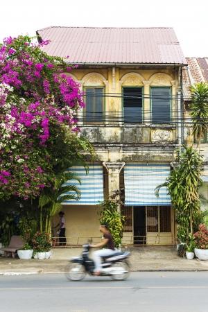 casa colonial: antigua casa colonial franc�s en Kampot Camboya