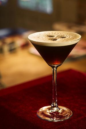 expresso: espresso expresso coffee martini cocktail in bar