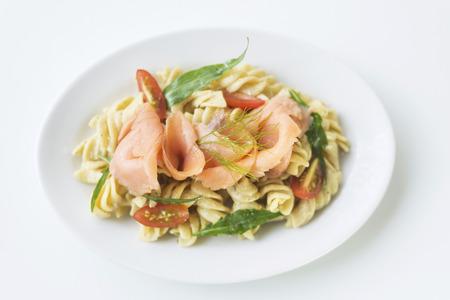 salmon ahumado: ahumada salmón cohete de tomate y pasta de crema