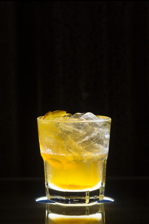 alcohol screwdriver: vodka and orange screwdriver classic cocktail drink at bar Stock Photo