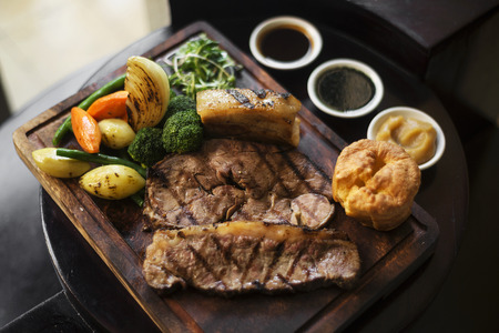 uk cuisine: traditional british english sunday roast beef with vegetables classic meal Stock Photo