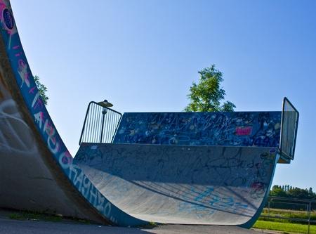 skate board: Halfpipe