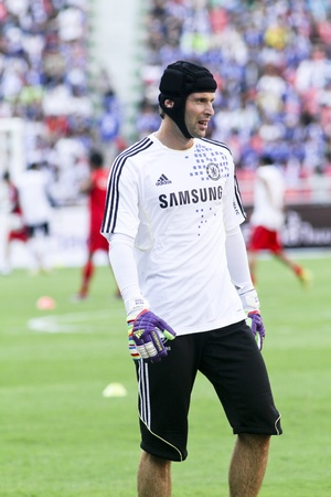 chelsea: Bangkok Thailand ,24 July 2011 : Petr Cech Chelsea FCs Goal Keeper and Czech Republic in warm up session before a friendly match starting VS Thai Premier League All Star XI at the Rajamangala National Stadium with Chelseas 2011 Asia Tour