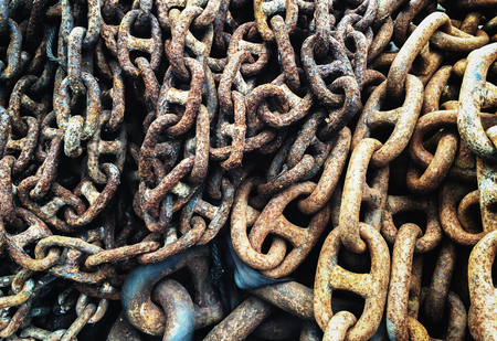 security gap: Grunge Old Industrial Metal Chain Background Texture, High Contrast