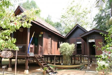 malay village: Malayo House