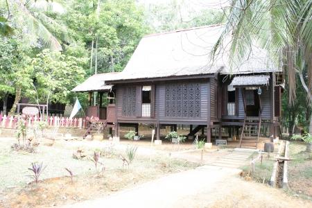 malay village: Antiguo malayo Hut