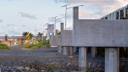 Mackay, Queensland, Australia - January 2021: A concrete bridge highway overpass under construction Redactioneel